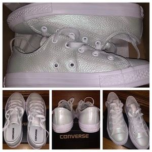 White opalescent converse- Size 3Y